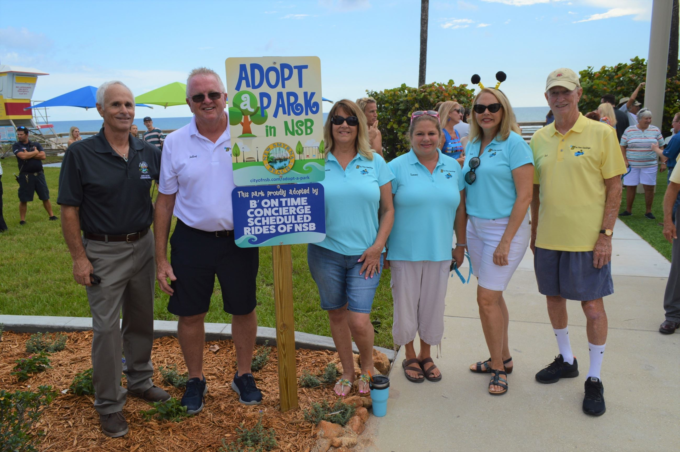Photo of 27th Avenue Beachfront Park Adopt-a-Park participants with City Commissioner Jake Sachs.